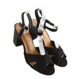 Wide-heeled black sandals 100 6