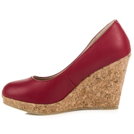 Pumps on wedge vices red 2