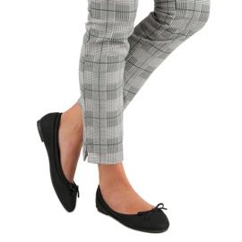 Lucky Shoes Black ballerinas 2