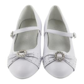 Ballerinas with communion rhinestones American Club 12/19 white 2
