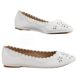 Ballerina In Spitz VICES white 1