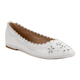 Ballerina In Spitz VICES white 4
