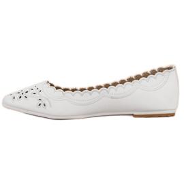 Ballerina In Spitz VICES white 5