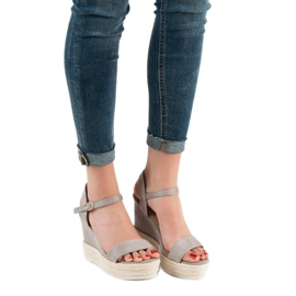 Ideal Shoes Stylish Sandals on Wedge grey 2