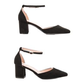 Small Swan Pumps Fastened with a Buckle black 6