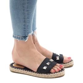 Black flip jeans studs 7087 1