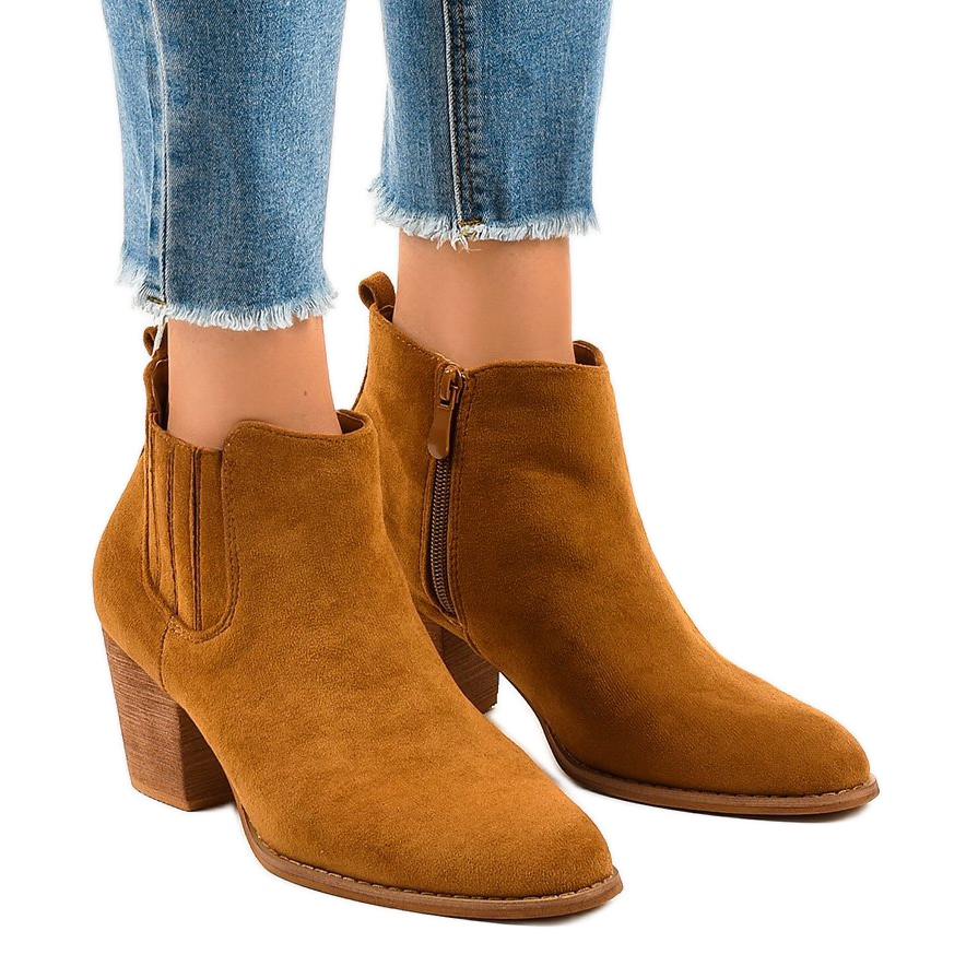 Camel suede boots on the post SA-3338