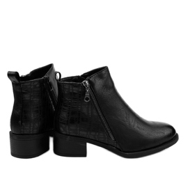 Black ankle boots with a TX-3201 zipper 3