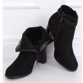 Black high-heeled boots VQ-31 Black 1