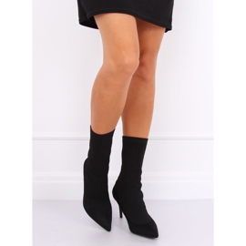 Boots with a sock upper black T5033 Black 2