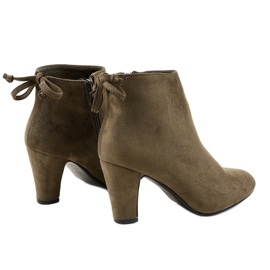 Green suede ankle boots on the W852 post 3