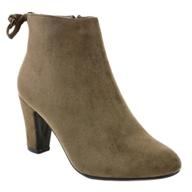 Green suede ankle boots on the W852 post 1