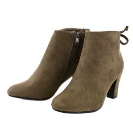 Green suede ankle boots on the W852 post 2