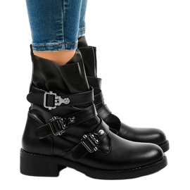 Women's black flat boots with HQ952 buckles 2