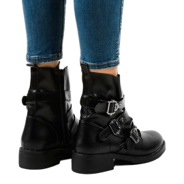 Women's black flat boots with HQ952 buckles 3