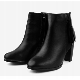 Black ankle boots with F880 fringes 3