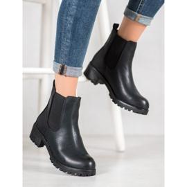 Jennika Boots On The Platform black 4