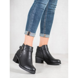 Anesia Paris Boots On A Post black 1