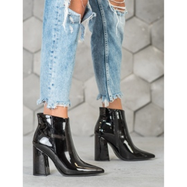 Seastar Black lacquered boots 6