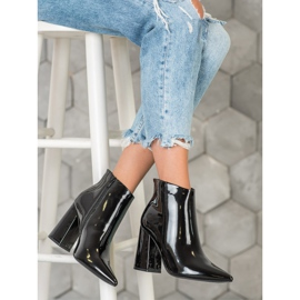 Seastar Black lacquered boots 4