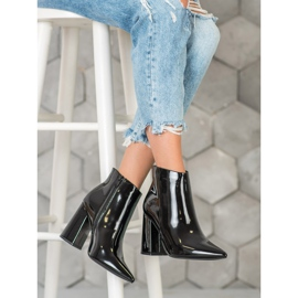Seastar Black lacquered boots 3