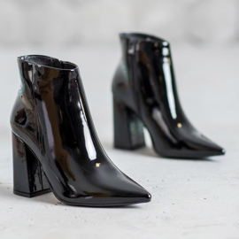 Seastar Black lacquered boots 1
