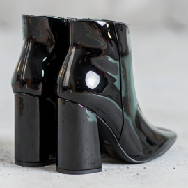 Seastar Black lacquered boots 2