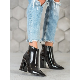 Seastar Black lacquered boots 7