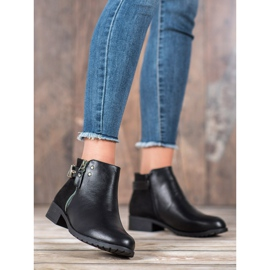 Queen Vivi Stylish women's boots black 3