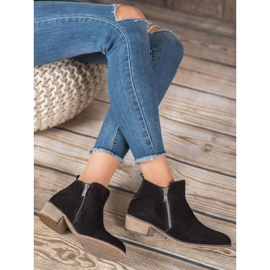 Goodin Leather Booties With A Zipper black 5