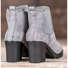 Queentina Chelsea Boots On A Bar grey 3