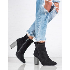 Goodin Leather Booties With A Frill black 5