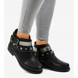 Black boots decorated with a LL178 zipper 2