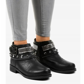 Black boots decorated with a LL178 zipper 1
