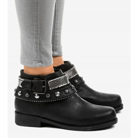 Black boots decorated with a LL178 zipper 3