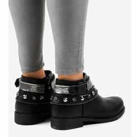 Black boots decorated with a LL178 zipper 4