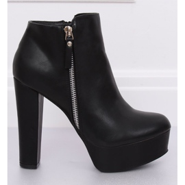 Black KK28P Black platform boots 4