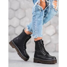 Kylie Boots On The Platform black 4