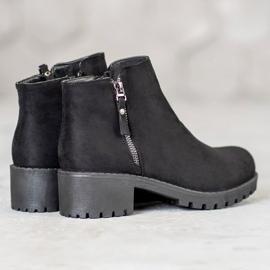 Diamantique Black Booties With A Zipper 3