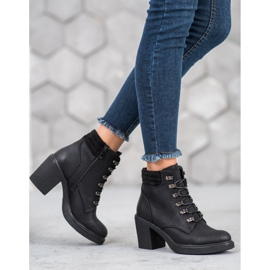 Queen Vivi Lace-up boots with eco leather black 2