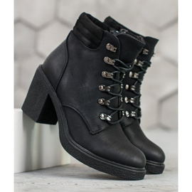 Queen Vivi Lace-up boots with eco leather black 4
