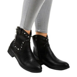 Black ankle boots with a L893-2 zipper 1