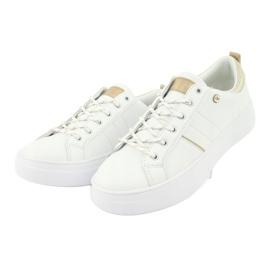 American Club RH09 white sports sneakers 1