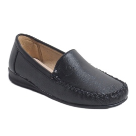 Black loafers on the wedge 8-01 1