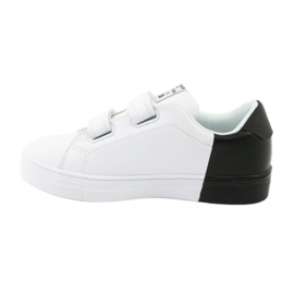 American Club ES05 black and white sports sneakers red 2