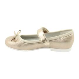 Golden Ballerinas with a bow American Club GC03 / 20 2