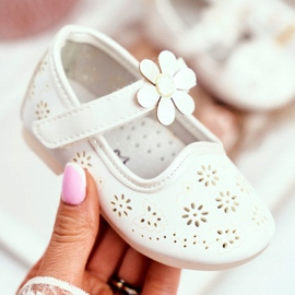 Apawwa Children's Flats Velcro Flower White Flored 2