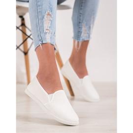 SHELOVET Comfortable Slip-On Sneakers white 5