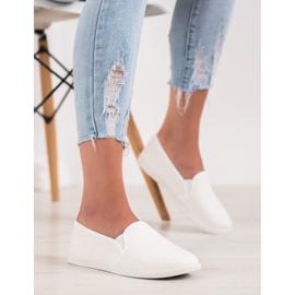 SHELOVET Comfortable Slip-On Sneakers white 4
