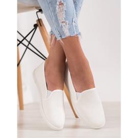 SHELOVET Comfortable Slip-On Sneakers white 6